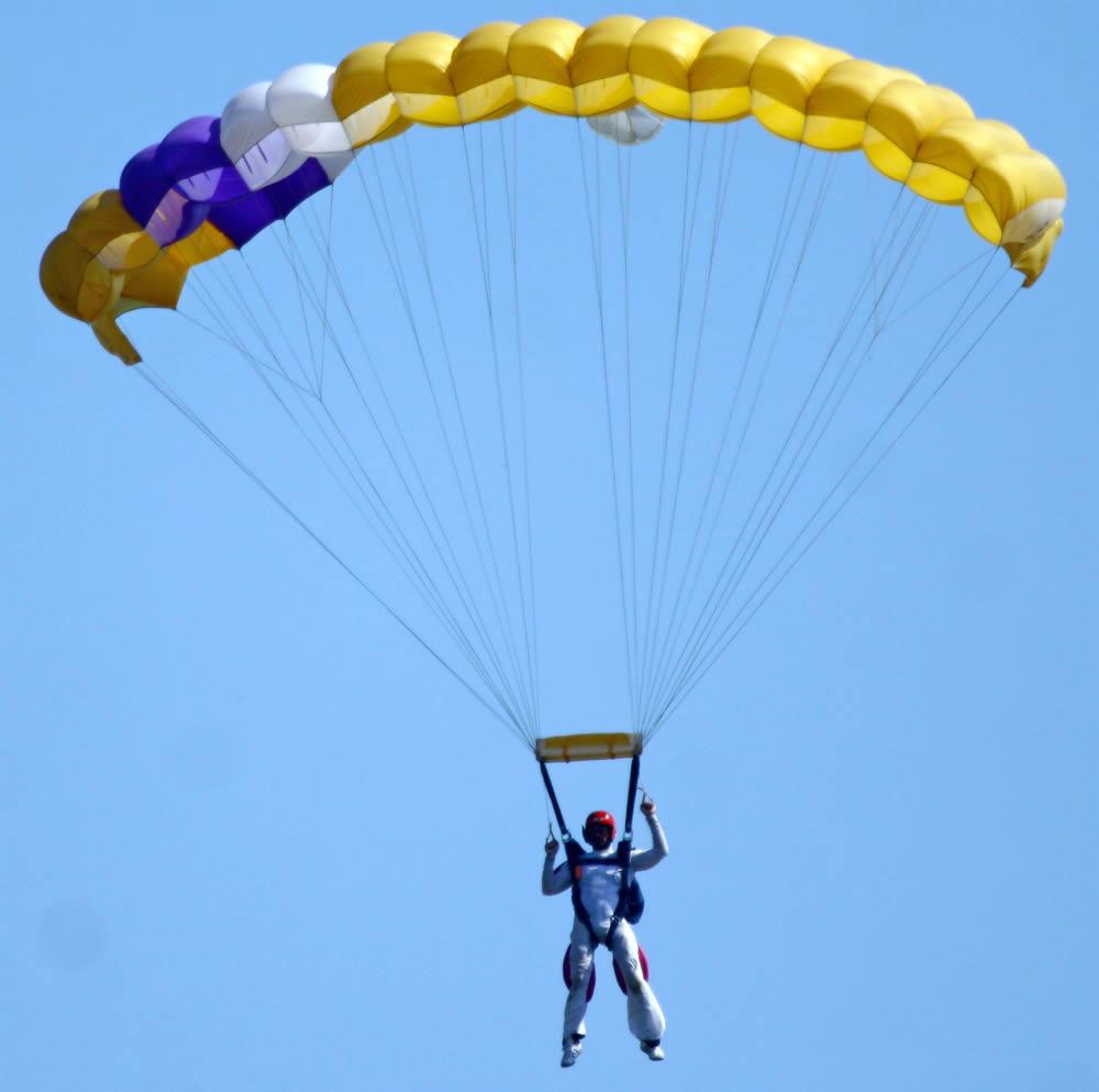 AFF student near landing